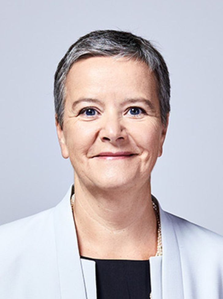 Angelika Sommer-Hemetsberger, Member of the Board of Executive Directors